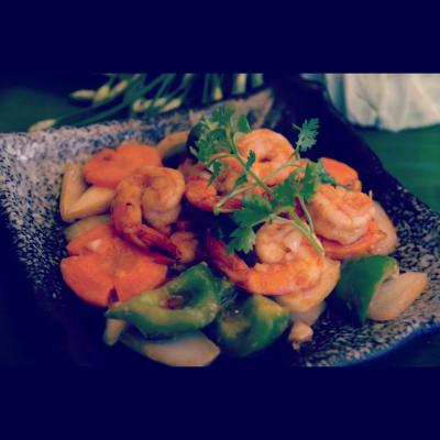 Sautéed prawns with onion bell pepper and sour sauce